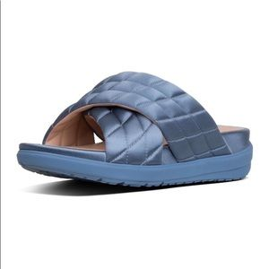 FITFLOP Women's Loosh Luxe Cross - Quilted Satin